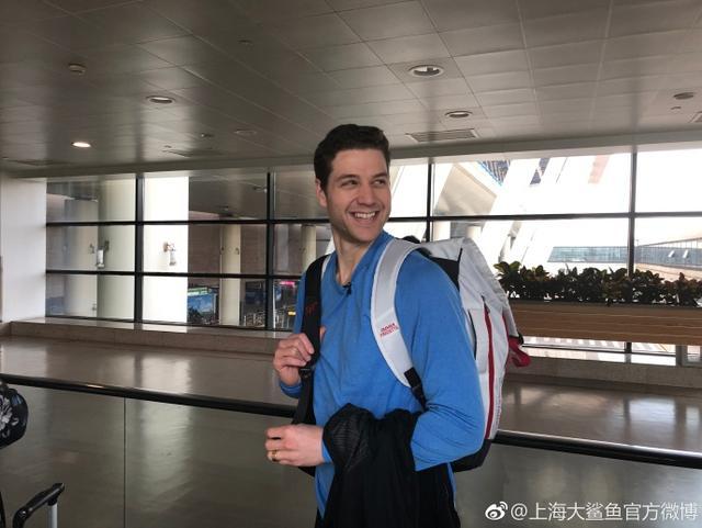 北京时间3月12日,上海男篮两位外援明纳拉斯和弗雷戴特今日先后搭乘航班启程返回美国。