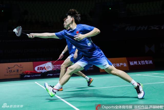 2018年11月9日,2018年中国(福州)羽毛球公开赛男双1/4决赛:何济霆/谭强vs李俊慧/刘雨辰。