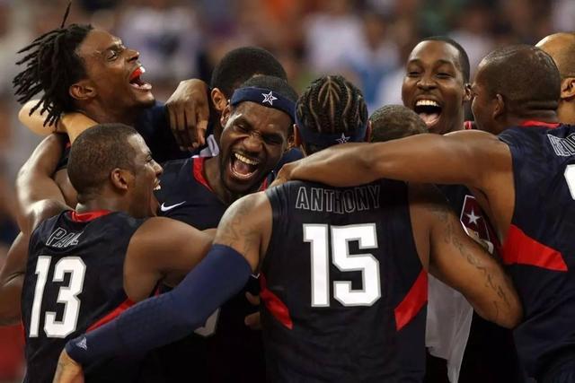 距离2008年北京奥运会已经过去了10年时间,当年代表美国梦之队参赛的15人,这批人的命运与十年前相比或多或少发生了一些变化。一些球员已经退役正式告别篮坛,部分球员却仍旧在NBA叱咤风云,是NBA联盟的中流砥柱。