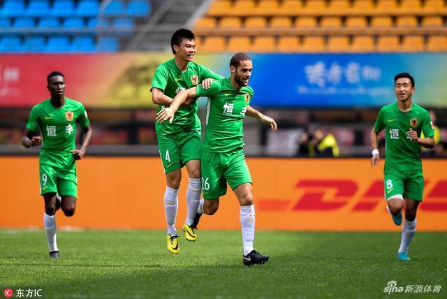 北京时间5月12日下午,中超联赛第10轮,贵州恒丰主场1-1上海上港。