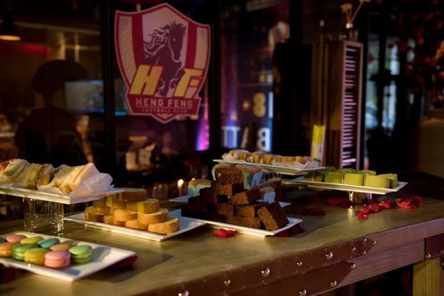 北京时间2月14日消息,贵州恒大俱乐部召开年度盛典,文筱婷靓丽装扮抢镜。(图片来自贵州恒丰俱乐部官方微博)