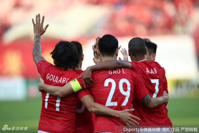 北京时间2月14日下午17时,亚冠联赛小组赛第一轮,广州恒大主场1-1武里南联,上半场高拉特头球破门,下半场席尔瓦扳平比分,恒大未能取得亚冠开门红。