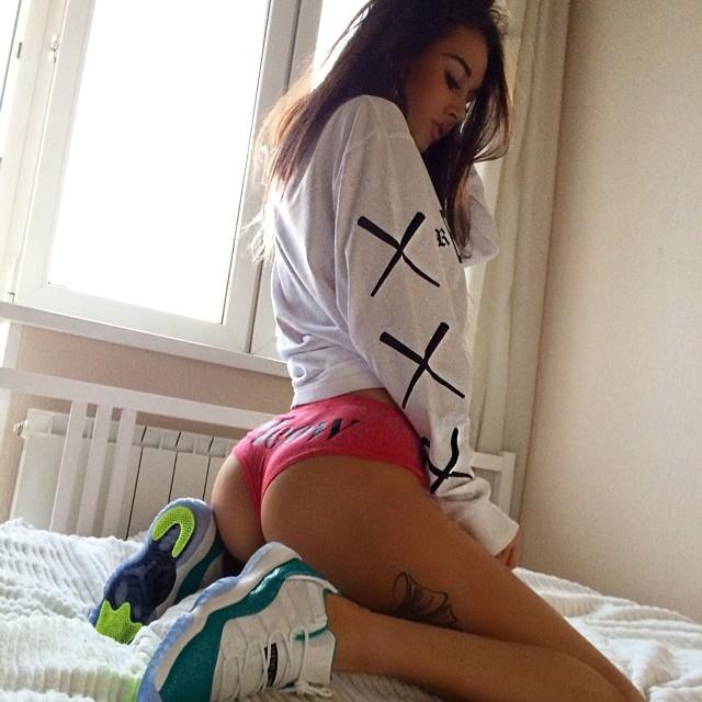 来自俄罗斯的模特Diana Melison最喜欢的球星是迈克尔-乔丹,热爱健身的她说每天不健身就全身不自在。