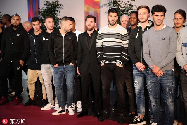 西班牙巴塞罗那,巴塞罗那一线队成员及球队高层悼念已故前巴萨出席努涅斯。