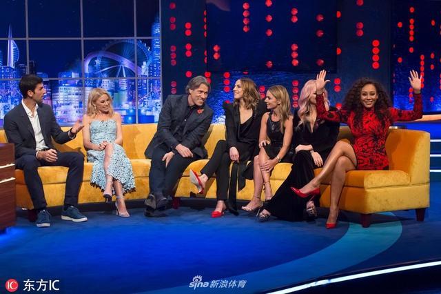 当地时间2018年11月9日,英国伦敦,德约科维奇亮相电视节目。