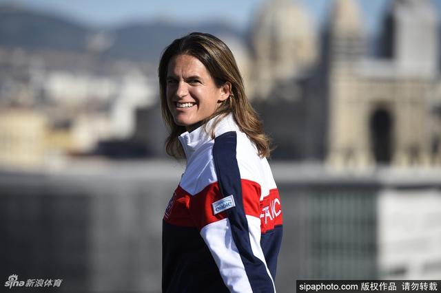 近日,据法国媒体消息,法国新生代球员普伊(Lucas Pouille)正力邀WTA前世界第一、两届大满贯女单冠军得主毛瑞斯莫(Amelie Mauresmo)执教。