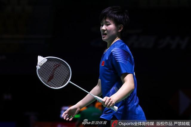 2018年中国(福州)羽毛球公开赛女单1/8决赛:何冰娇2-1李文珊(加拿大)