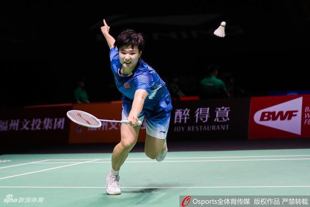 2018年中国(福州)羽毛球公开赛女单1/4决赛:何冰娇2-0辛杜。