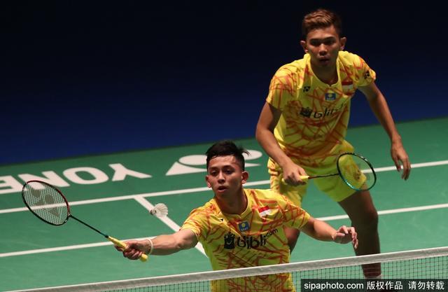 当地时间2018年9月14日,日本东京,2018日本羽毛球公开赛男双1/4决赛:李俊慧/刘雨辰2-1阿尔弗兰/雅迪安托(印尼)。