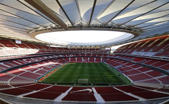 当地时间4月21日,巴塞罗那和塞维利亚将进行国王杯决赛。马竞主场——万达大都会球场(Wanda Metropolitano)成为决赛场地。万达大都会球场在2017年9月正式成为床单军团的新主场,最多可容纳67703名球迷现场观看。值得一提的是,该球场也成为2019年欧冠决赛场地。