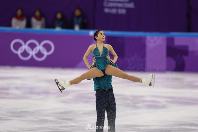 2月14日,2018平昌冬奥会,花样滑冰双人滑短节目比赛。新浪体育 李欣/摄 发自江陵