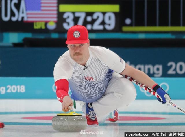 2月14日,2018平昌冬奥会冰壶男子循环赛第一轮,韩国7:11美国。
