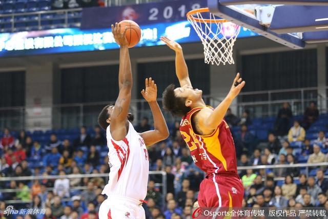 北京时间11月9日,CBA联赛第9轮,青岛122-118浙江。