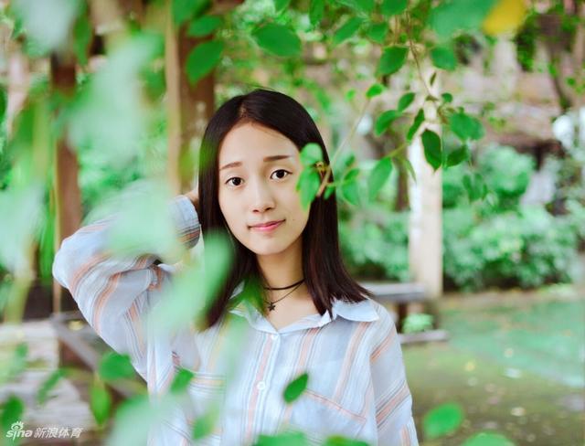 黄金联赛重庆站啦啦操比赛coco队小姐姐私照。