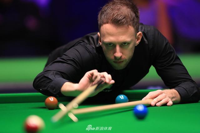 北京时间12月7日晨,英锦赛第四轮,特鲁姆普4-6佩里,无缘8强。