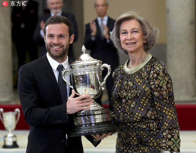 当地时间2019年1月10日,西班牙马德里,西班牙国家体育奖颁奖礼,马塔获公平竞赛奖。