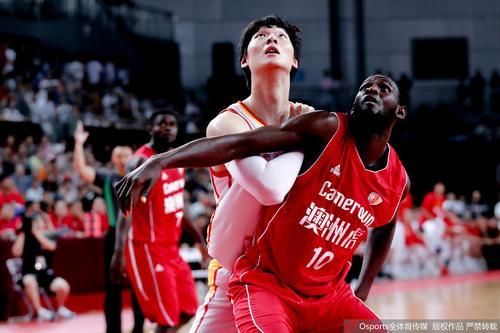 男篮热身赛:中国85-63喀麦隆