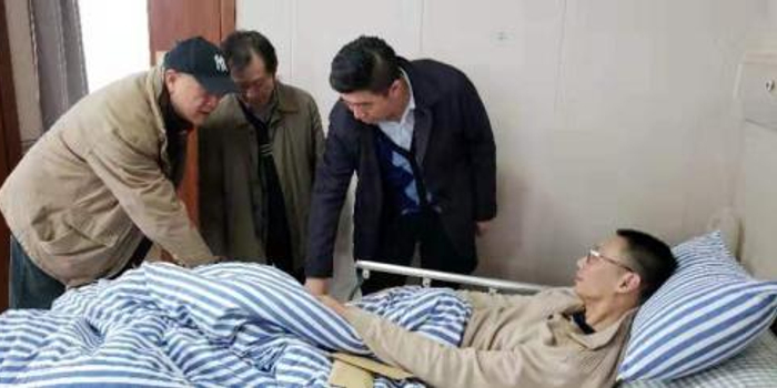前男排国手郑亮罹患怪病 生活不能自理只能卧床