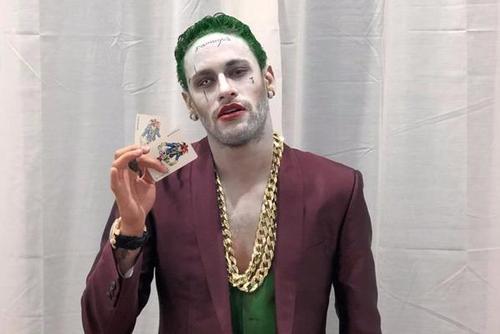 内马尔领衔 致敬小丑蝙蝠侠