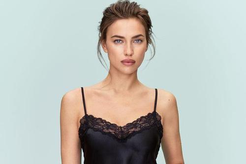C罗前女友超模伊莲娜代言内衣品牌