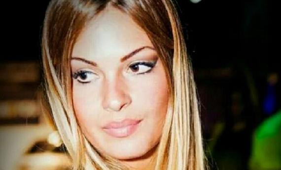 意大利模特莎朗-卡努