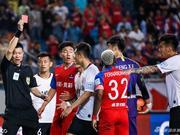耿晓峰遭足协禁赛3场罚款3万 足协杯肘击对手头部