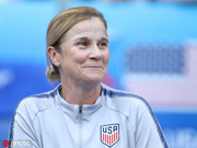 这名英国主帅卫冕女足世界杯 她统帅的却是美国队