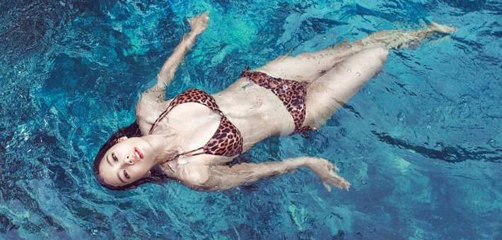 韩国健身女神Clara晒前凸后翘极品身材