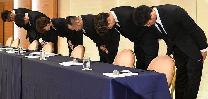 日本篮协主席携性丑闻队员鞠躬道歉