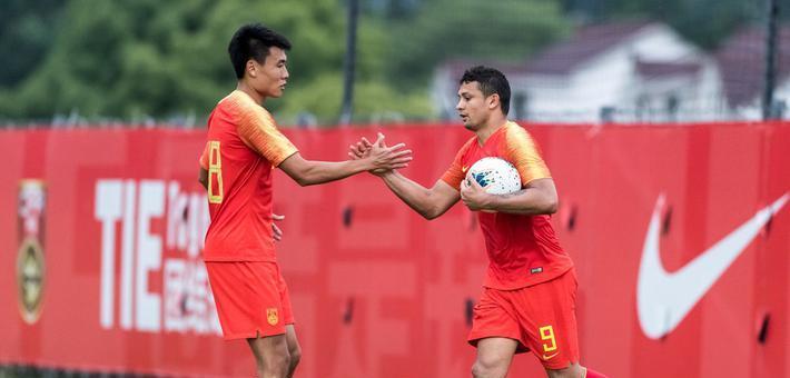 [热身赛]中国男足4-0上海申花