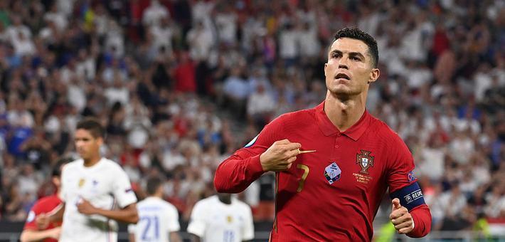 [欧洲杯]葡萄牙2-2法国 C罗双响