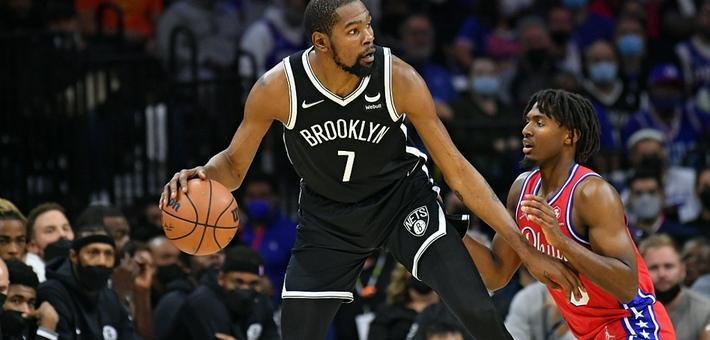 [NBA常规赛]杜兰特三双 篮网险胜76人