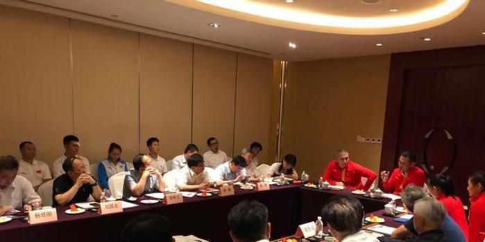 茍仲文一行端午節慰問拳擊隊 觀看中國拳擊精英賽