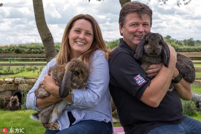 这对铲屎官夫妻表示,他们养了兔子后便情不自禁想要给宝贝宠物们最好的生活,这也是他们舍弃花园打造兔子游乐园的初衷。东方IC