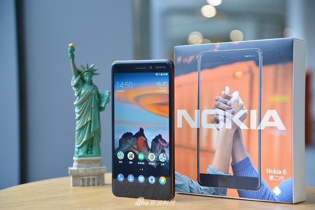 今日诺基亚正式上线全新诺基亚6(2018)手机。配置升级到骁龙630处理器之外,金属艺术再次进阶,细细铜线成亮点。诺基亚6(2018)售价为1499元起。