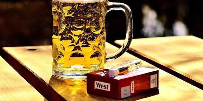 一酒頂十煙!喝酒女性患癌風險升高水平比男性高40%