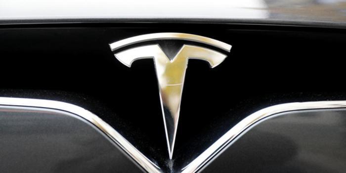 美政府調查第12起涉及特斯拉Autopilot交通事故