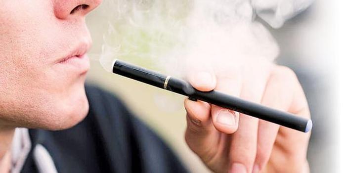 電子煙肺病緣何引發?肺活檢結果顯示是有毒化學品