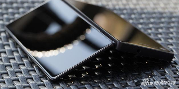 中兴或将发布一款折叠屏智能手机Axon M