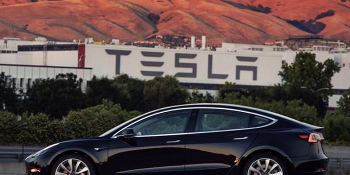 面對監管質疑:特斯拉堅稱Model 3汽車安全