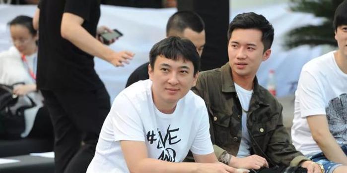 """熊熊野心俱往矣?沉默的""""王校長""""與崛起的中國電競"""