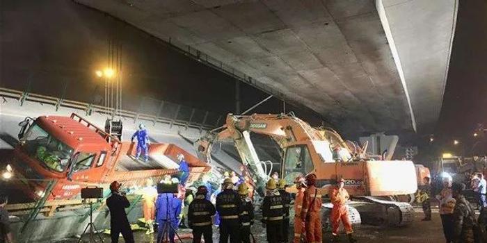 光明網:無錫高架側翻事故 調查須回應網絡關注