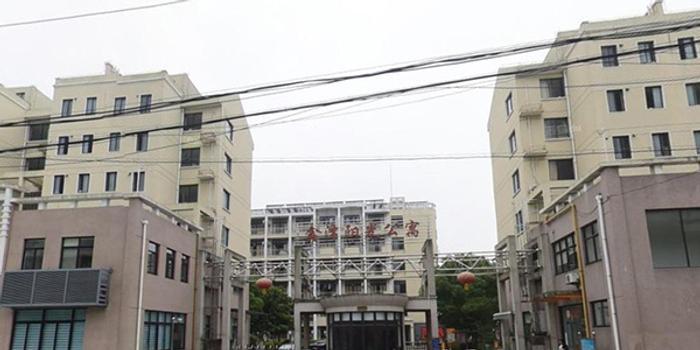 """上海市环卫工人和其他人员住房困难将试行""""宿舍式""""公共租赁住房"""