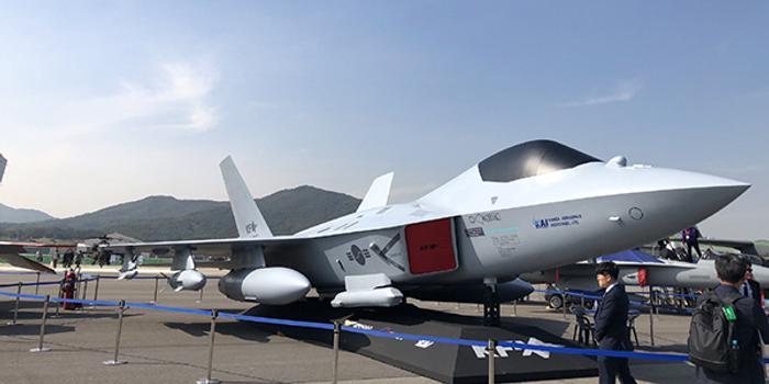 韓國首次展出KF-X隱身戰機模型:F-22與F-35的混血兒