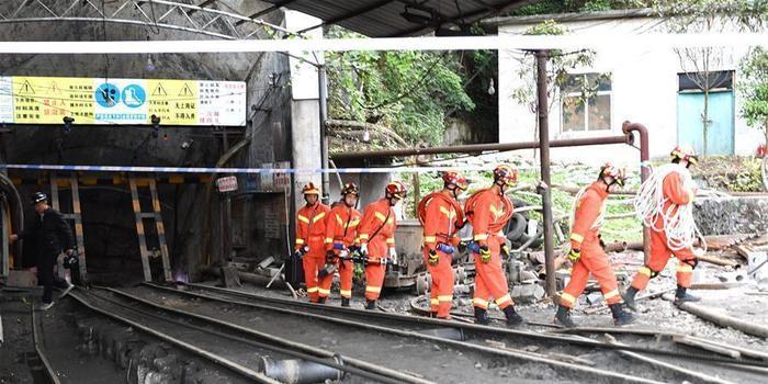 廣西南丹一礦業公司冒頂事故初步核查有11人被困