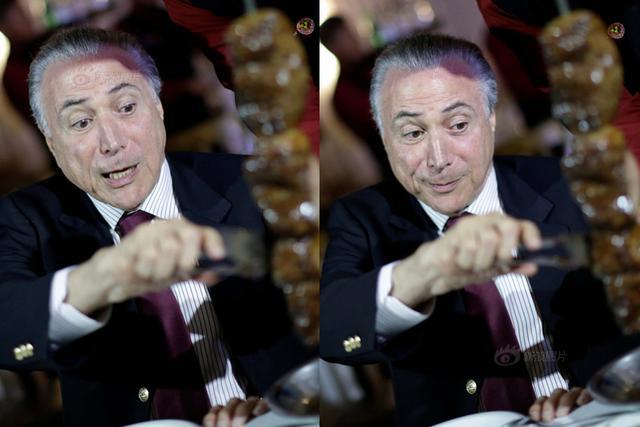 """当地时间3月19日,巴西总统特梅尔在首都巴西利亚举行烧烤晚宴,招待多国大使,试图缓解巴西过期肉丑闻引发的负面影响。巴西官方称巴西国内和出口至国外的肉类产品没有""""健康问题""""。摄影师抓拍到了梅尔吃烤肉的瞬间。"""