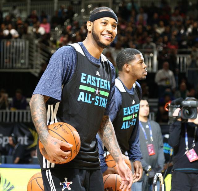 北京时间2月16日,NBA全明星赛赛前训练,东西部球员悉数出席并接受采访。