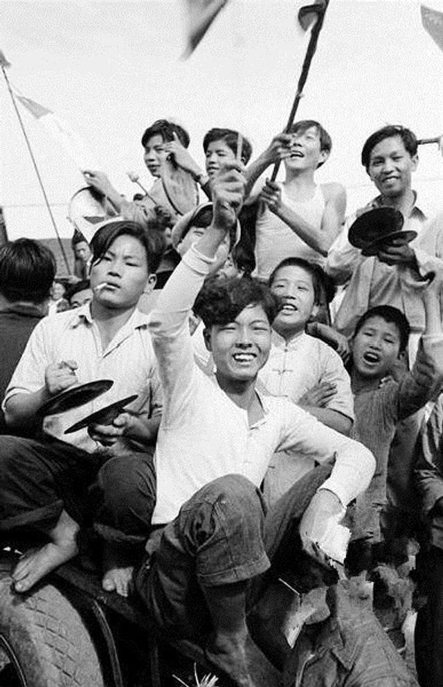 狂热青年与迷茫老人:50年代备战中的台湾