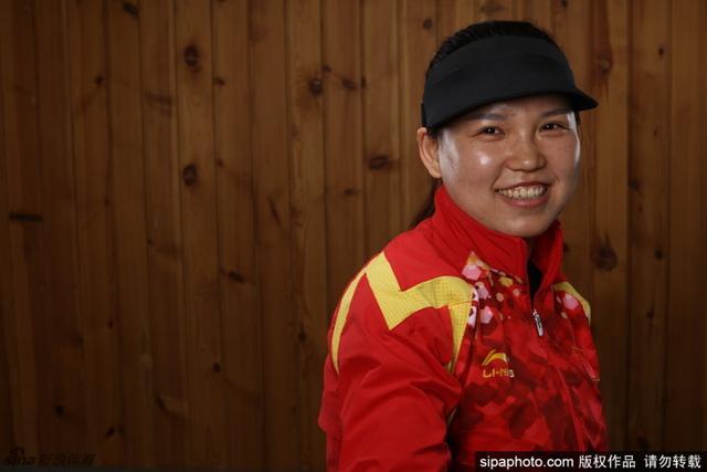 中国国家射击队队员高端肖像写真-张梦雪,获得女子十米气手枪冠军。