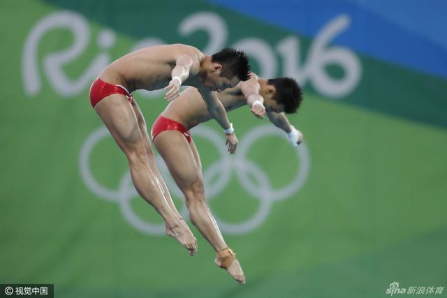 北京时间8月9日,陈艾森/林跃男子双人10米跳台夺金,新浪体育为您送上比赛精彩瞬间。